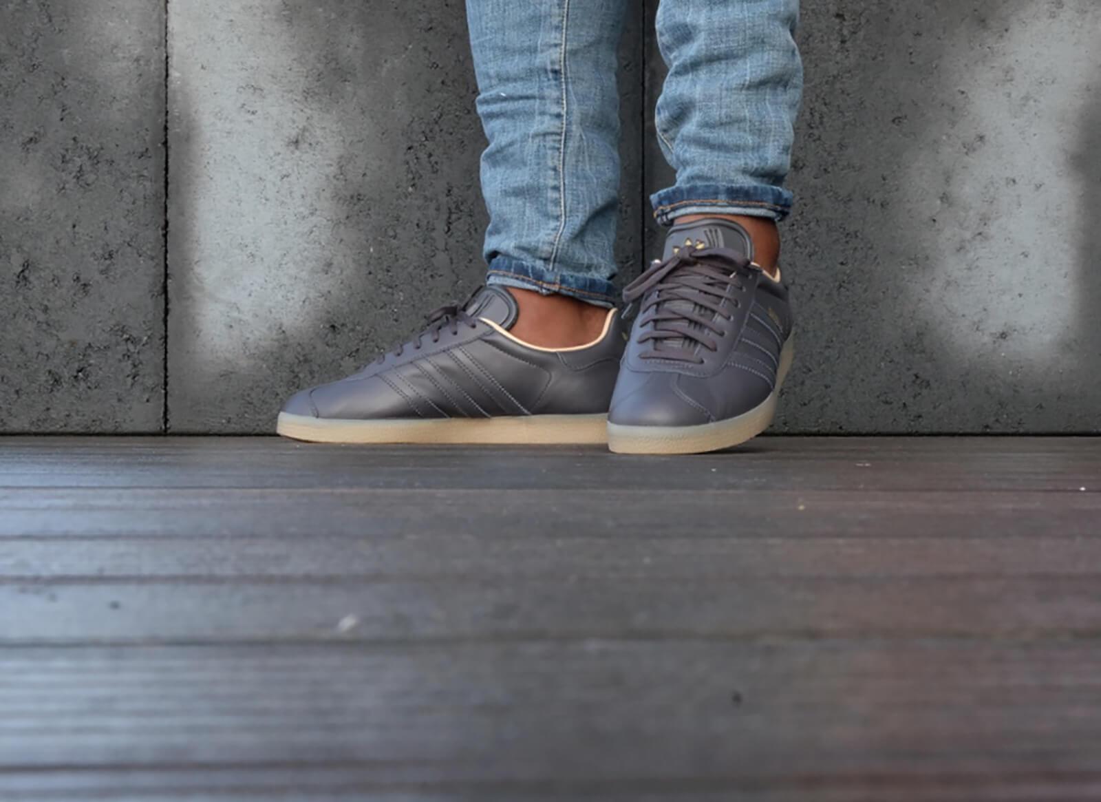Adidas Gazelle Leather Premium - Utility Black / Gold Metallic