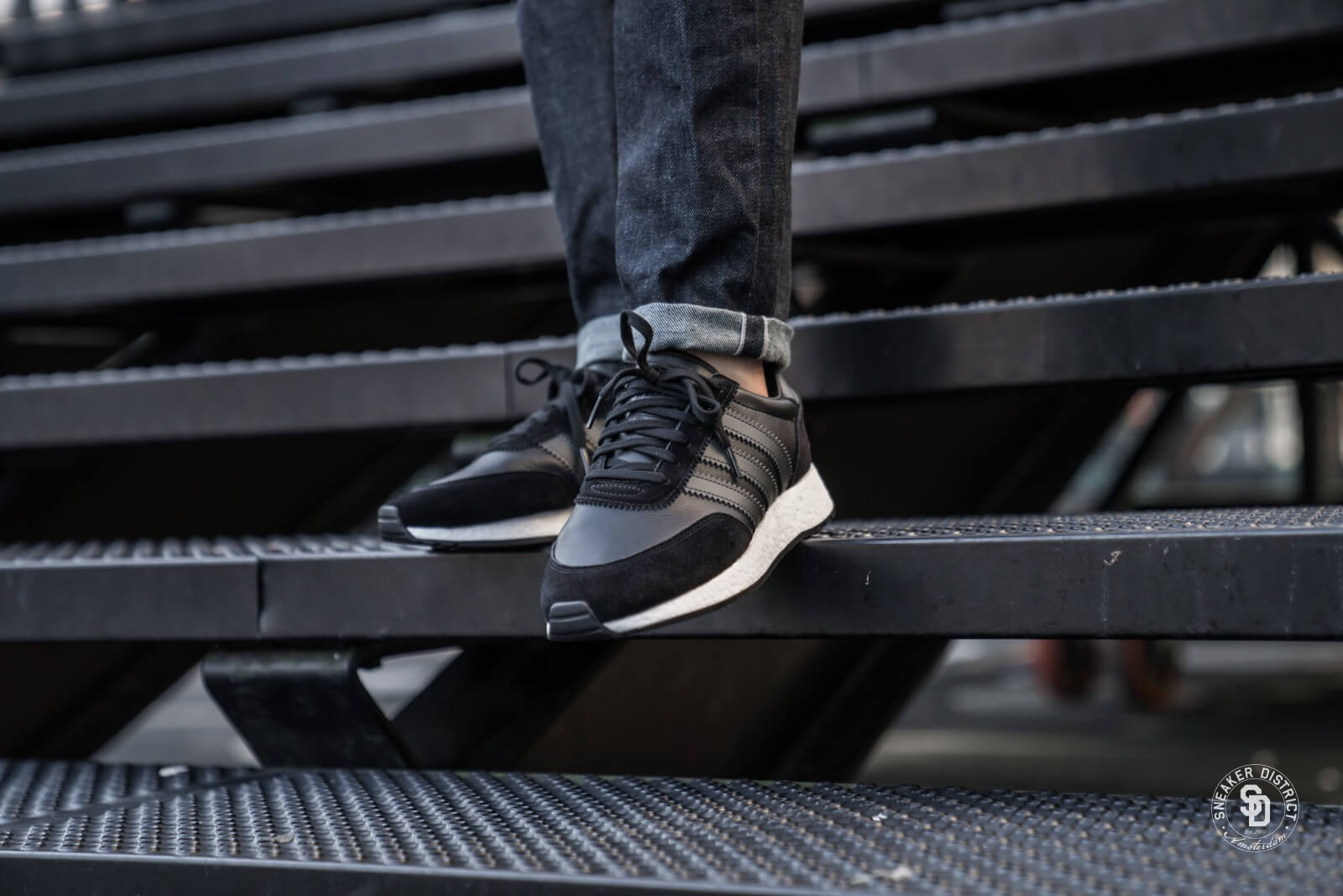 Adidas I-5923 Core Black/Carbon