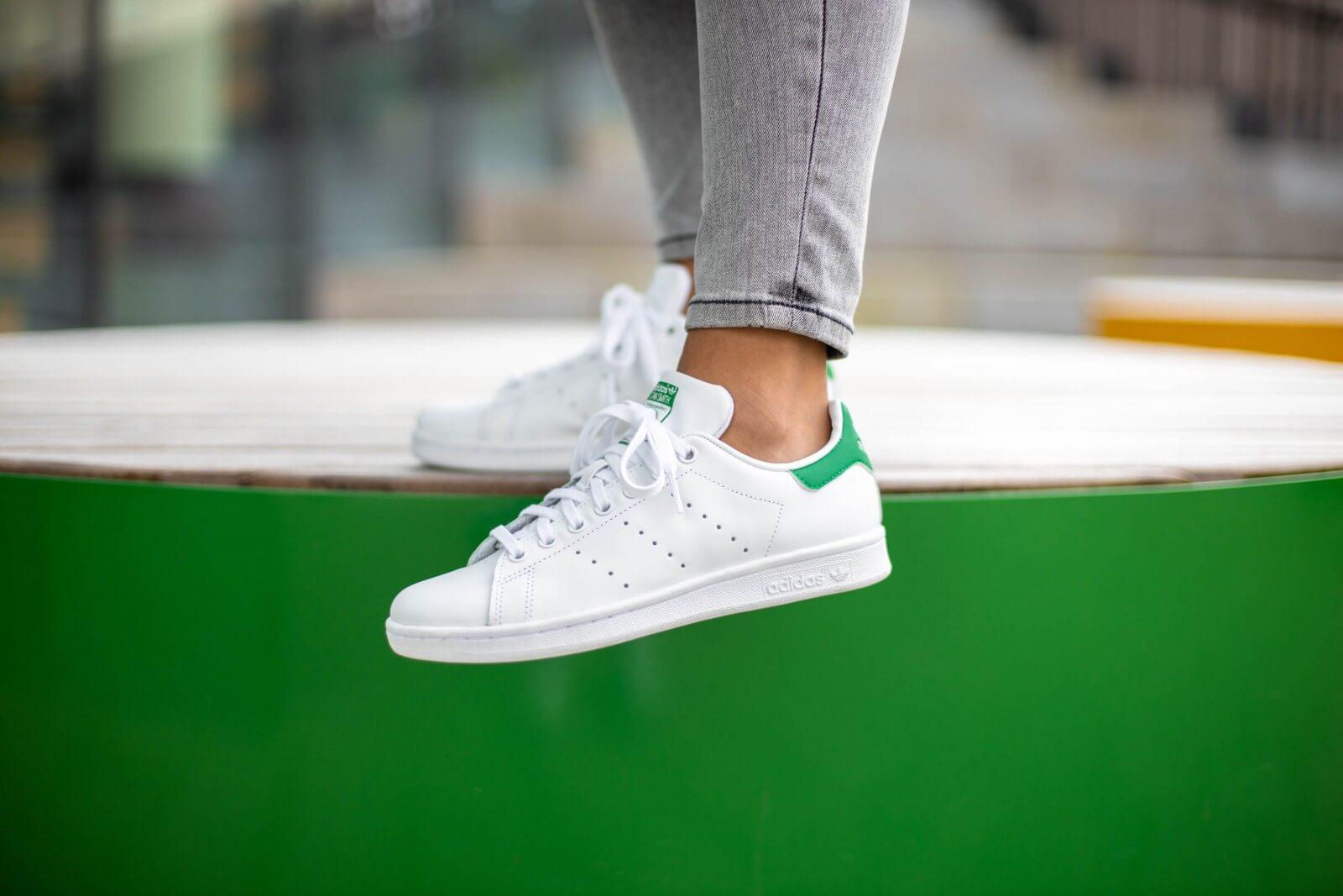 adidas stan smith core white green