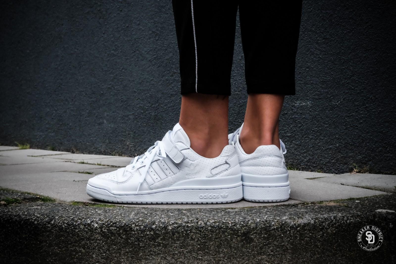 Black shoes for women online-9484