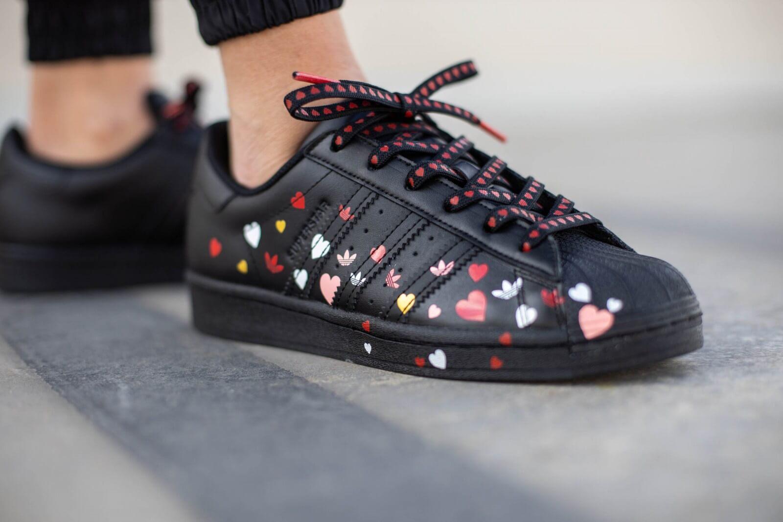 Adidas Women's Superstar Core Black/Cloud White-Glory Pink