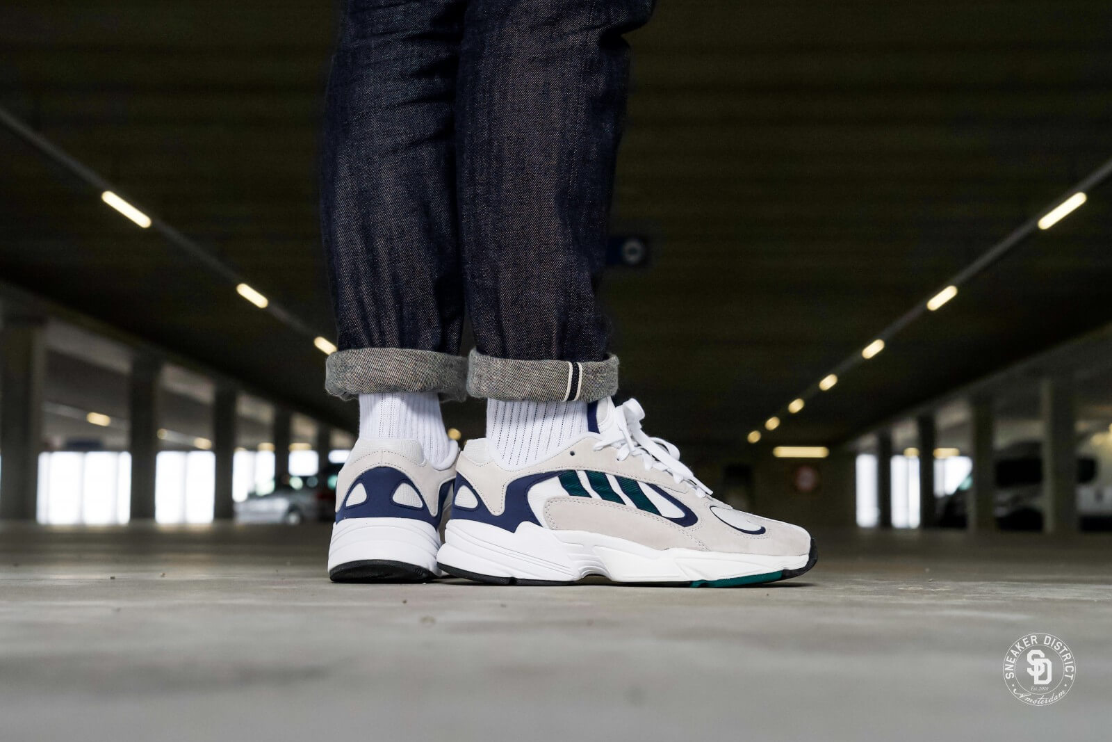 Manual mal humor Comportamiento  Adidas Yung-1 Footwear White/Noble Green-Dark Blue - G27031
