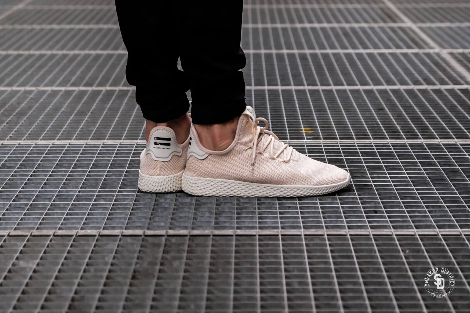 Adidas x Pharrell Williams Tennis HU LinenChalk White AC8699