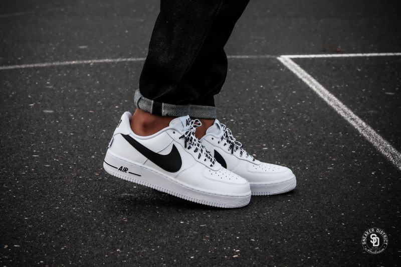 quality design ad2f5 60332 Nike Air Force 1 07 LV8 NBA Pack WhiteBlack sneakers bestellen voor heren   Sneaker District