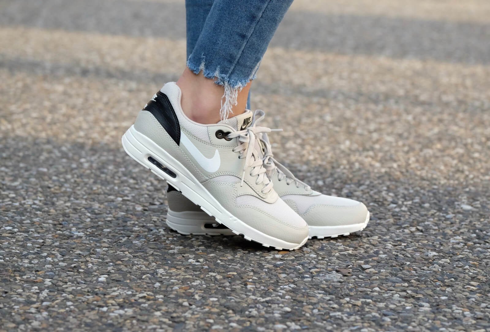 low priced 751e7 f89e9 ... sweden nike wmns air max 1 ultra 2.0 pale grey summit white black d3d4c  6fa56