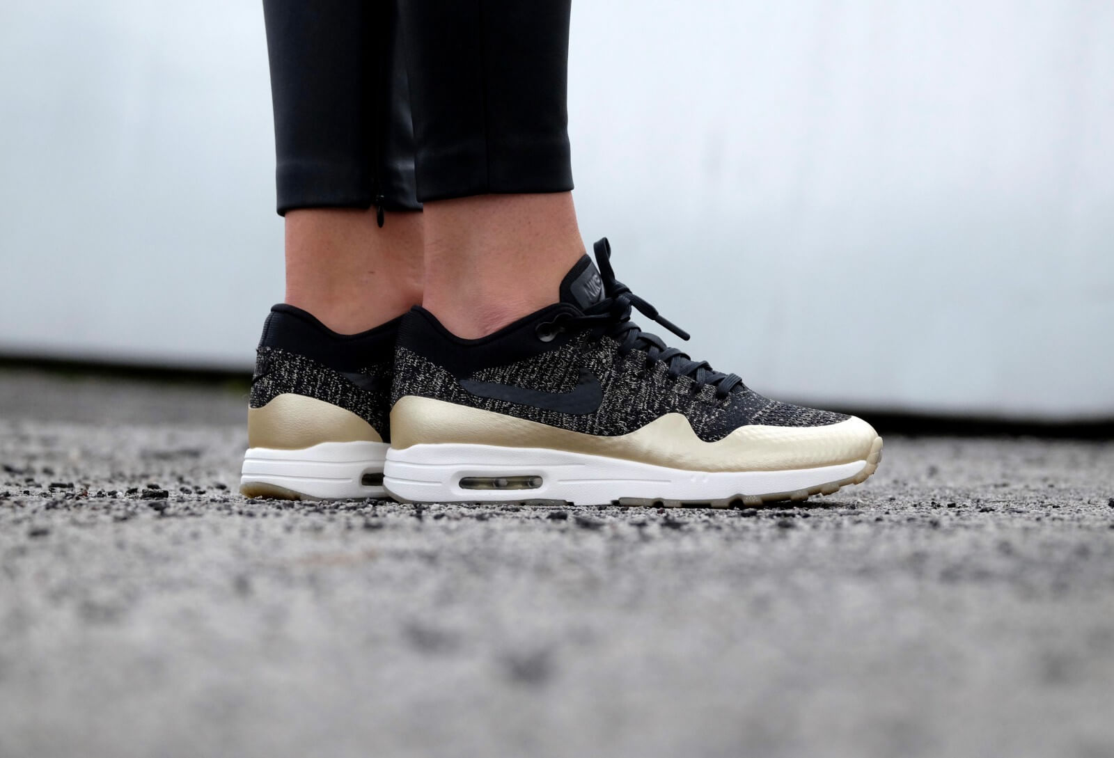 Nike Wmns Air Max 1 Ultra Flyknit | Black | Sneakers