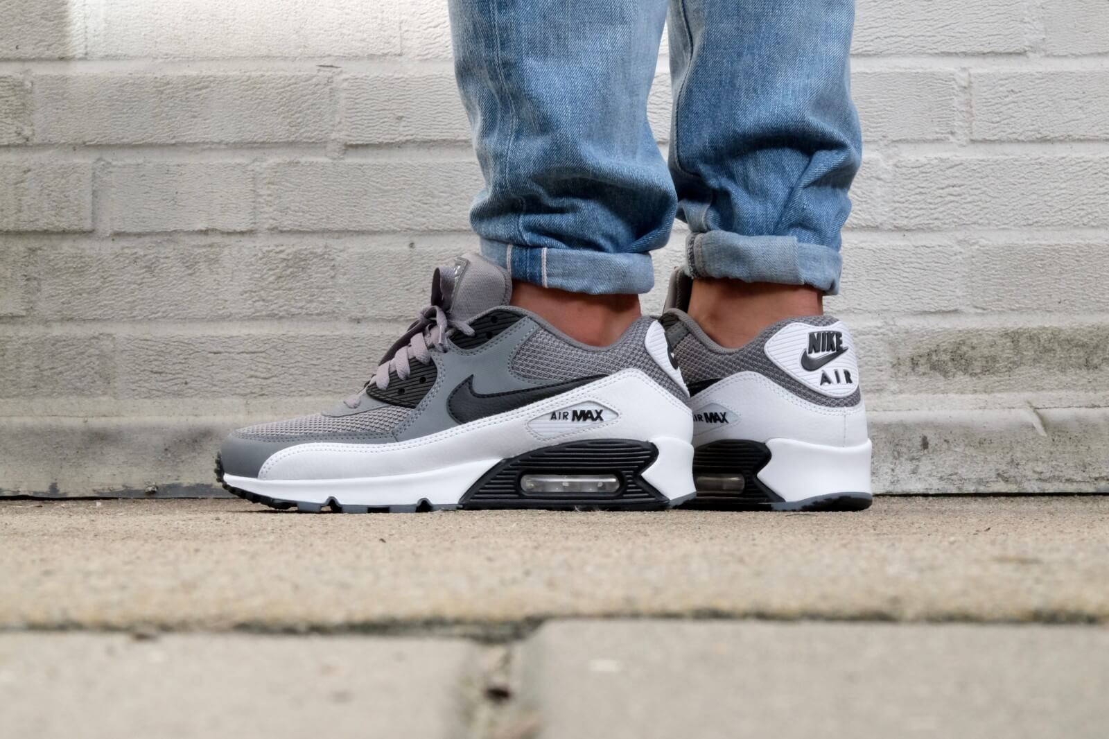 Nike Air Max 90 Essential Cool grey Black White 537384 057
