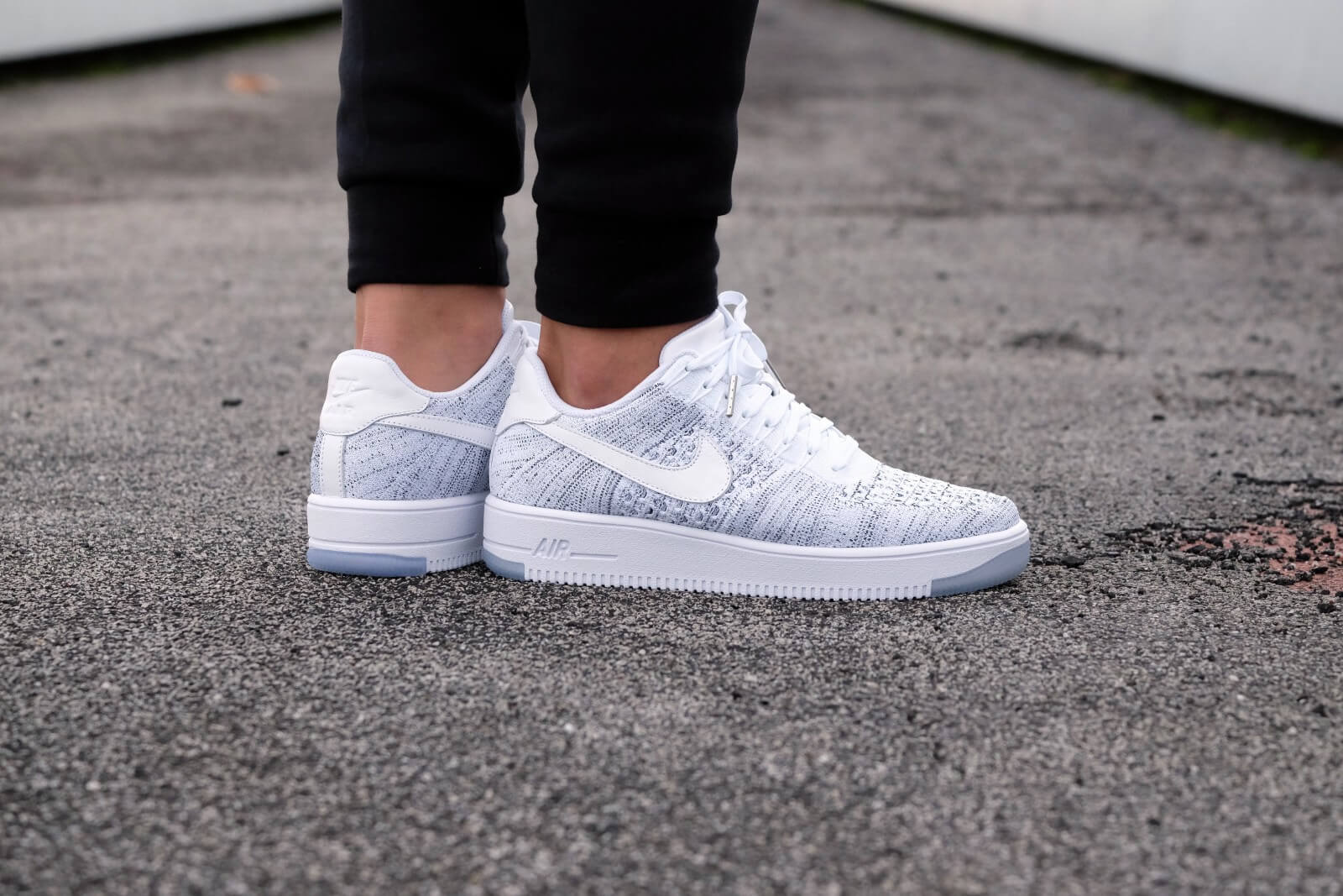 Nike Womens Air Force 1 Flyknit Low WhiteGrey 820256 103