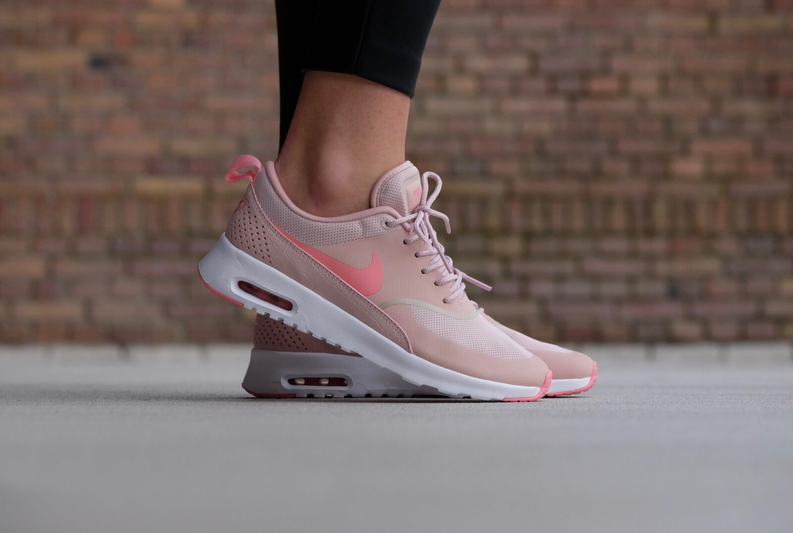 mercenario Europa zorro  Nike WMNS Air Max Thea Pink Oxford/Bright Melon-White - 599409-610