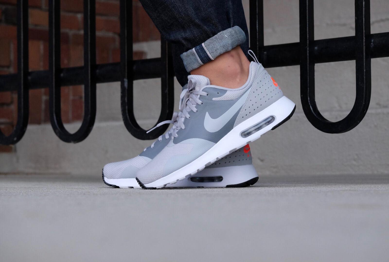 Nike Air Max Tavas SE Wolf GreyWolf Grey Cool Grey 718895 012