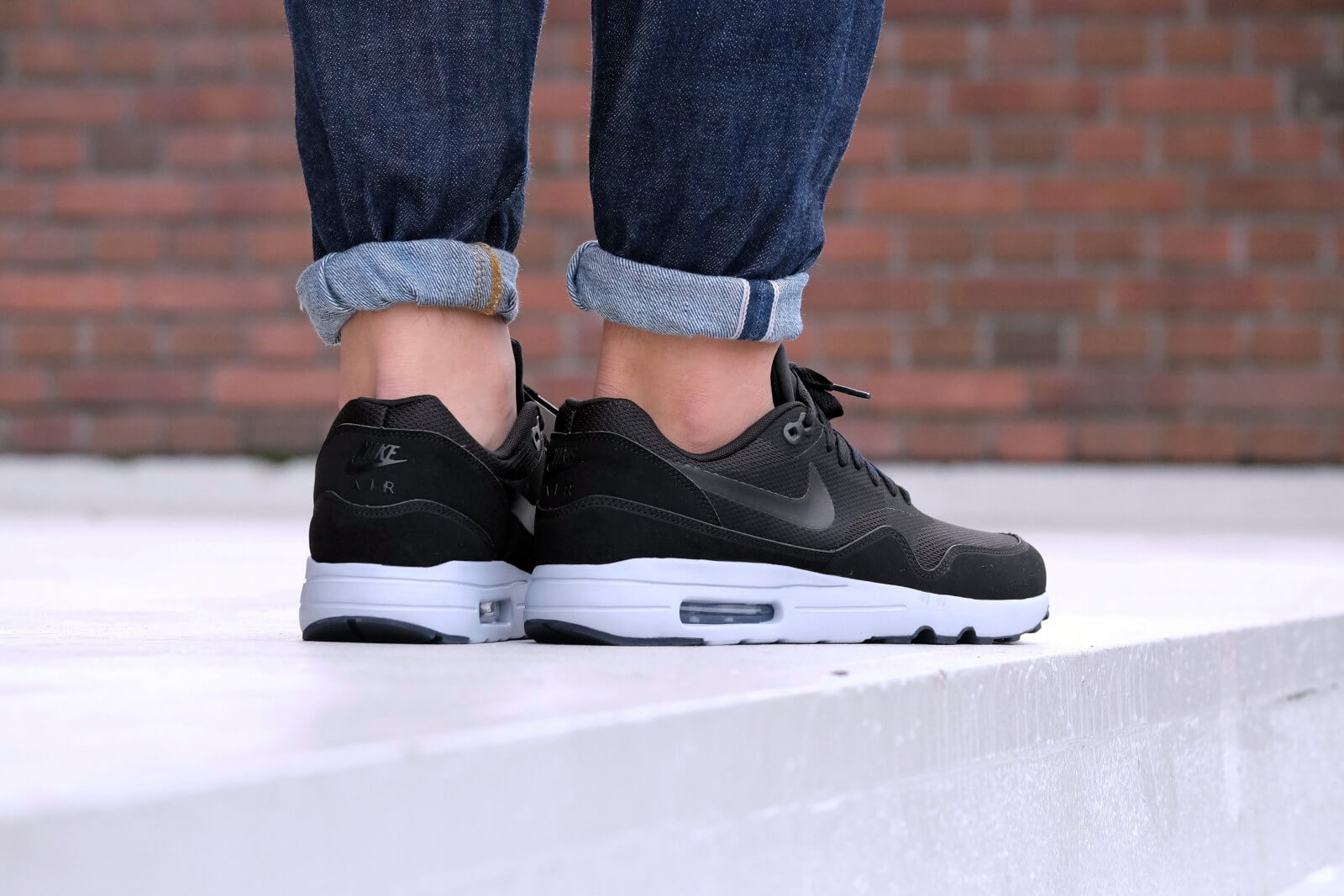 nike air max 1 ultra essential black black white