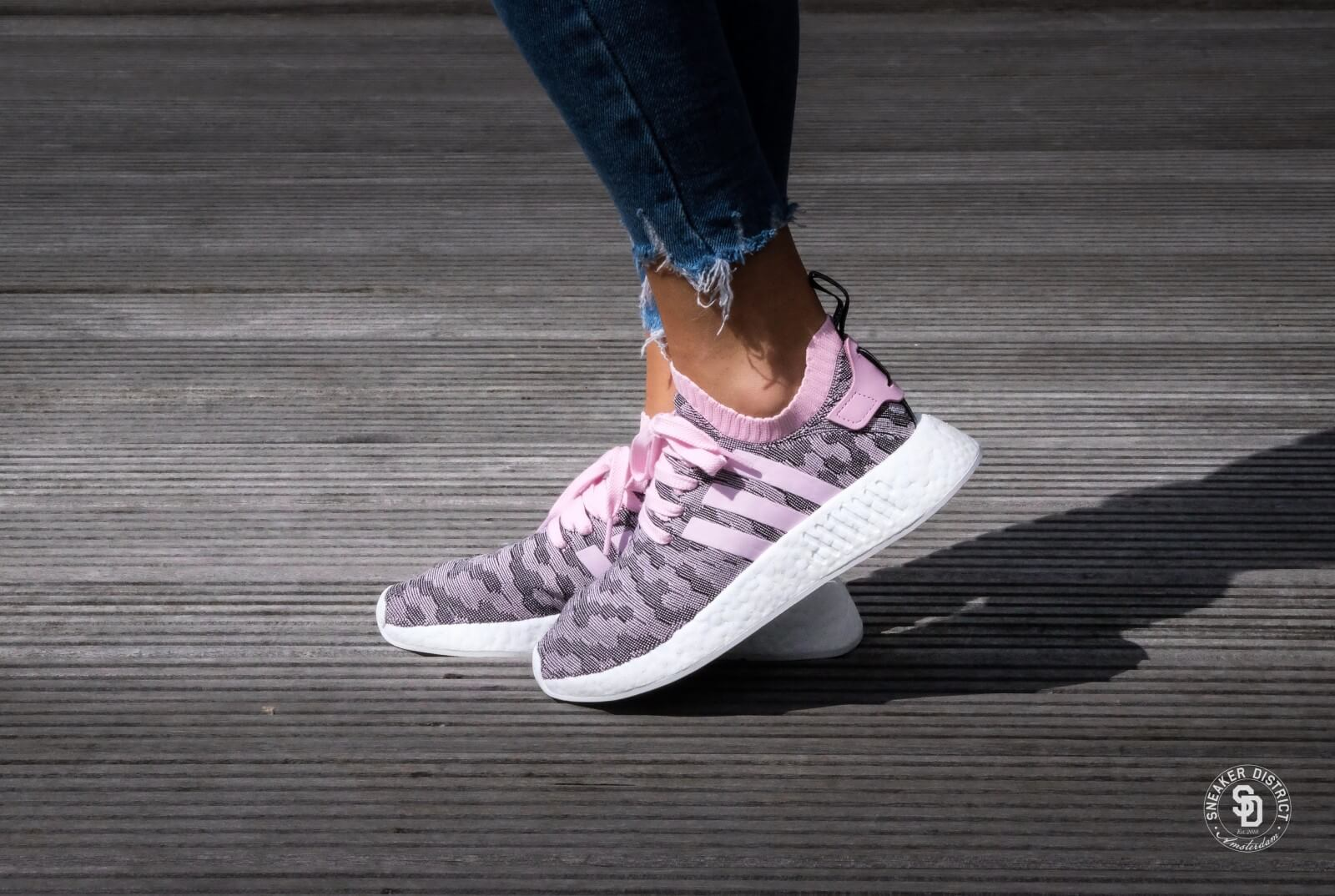 adidas nmd r2 women pink adidas shoes black and white