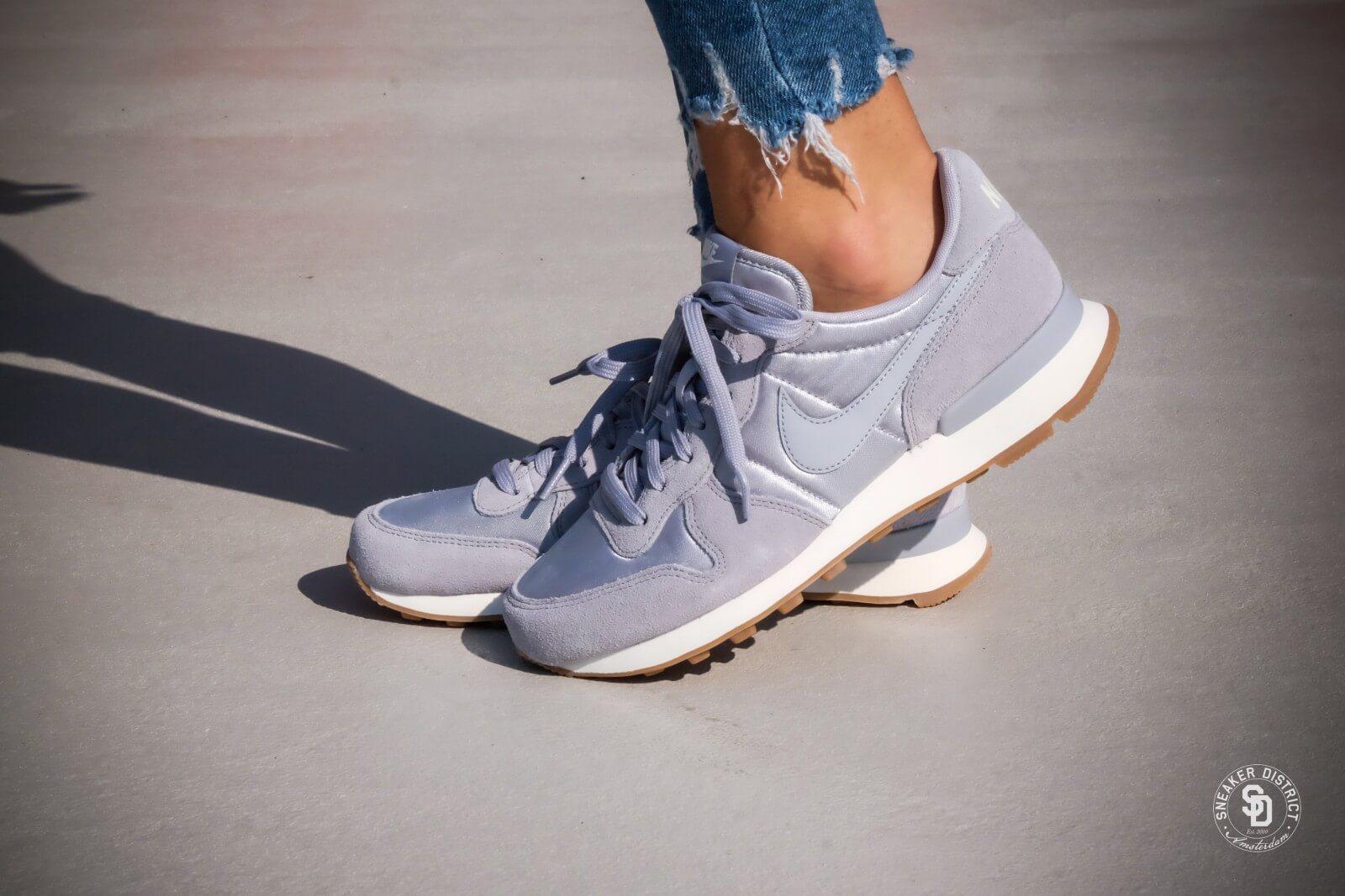 Nike WMNS Internationalist Wolf GreySail Gum 828407 018