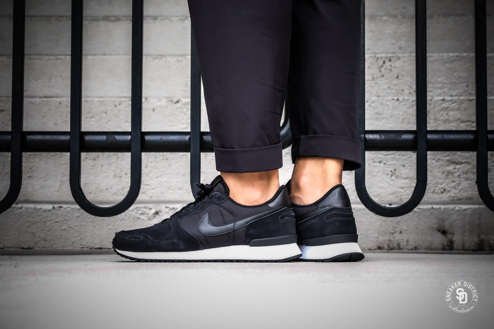 Nike Air Vortex Leather Black / White