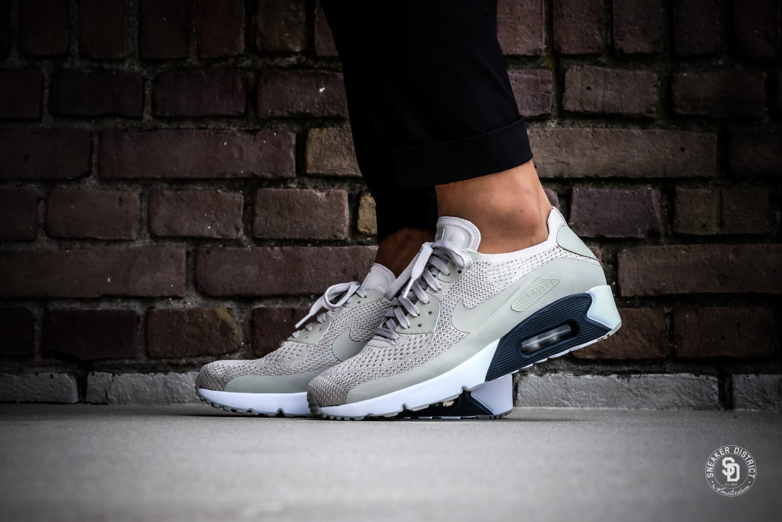 new products 5b700 c031f ... nike air max 90 sort trainers nike air max 90 ultra 2.0 flyknit pale  grey pale