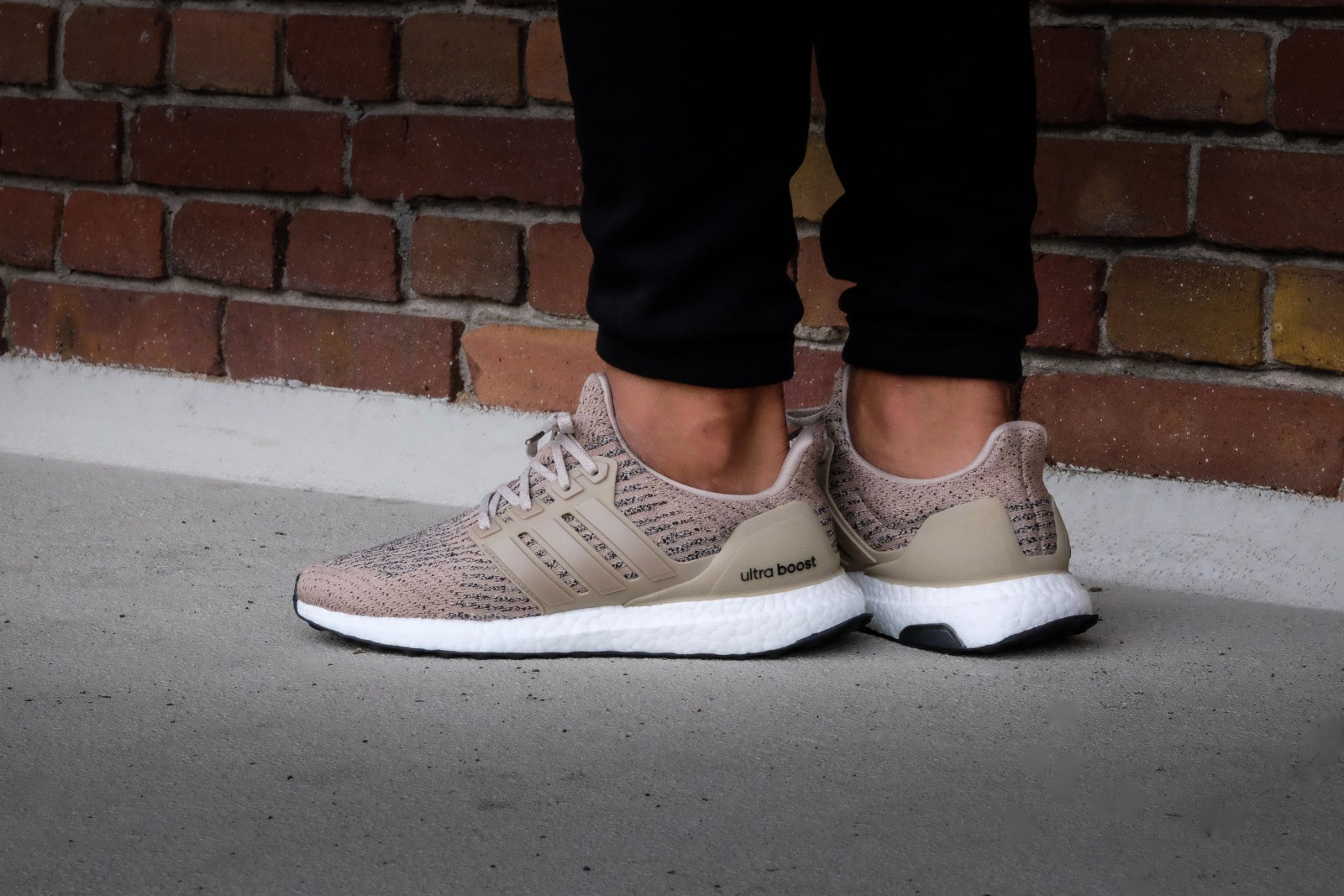 adidas ultra boost trace khaki
