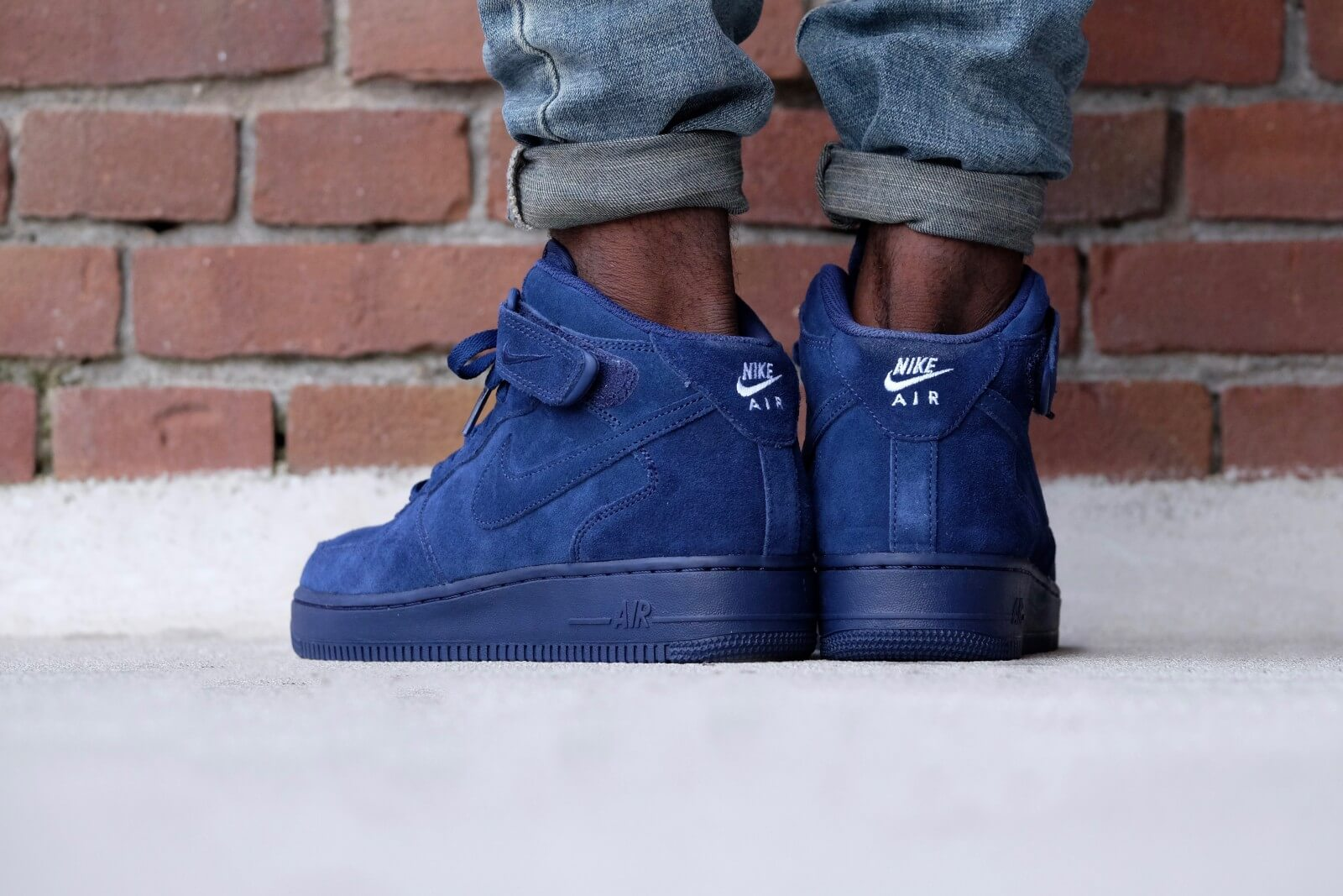 nike air force 1 mid with jeans