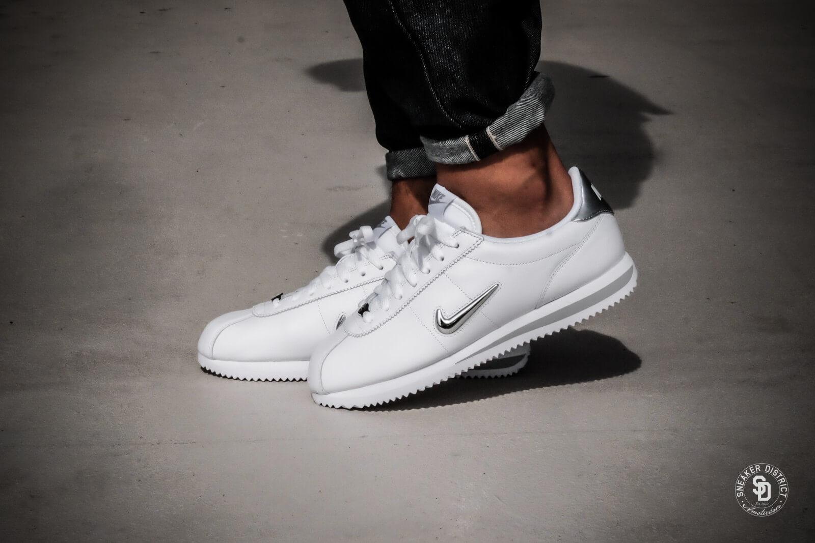 Nike Cortez Basic Jewel WhiteMetallic Silver 833238 101