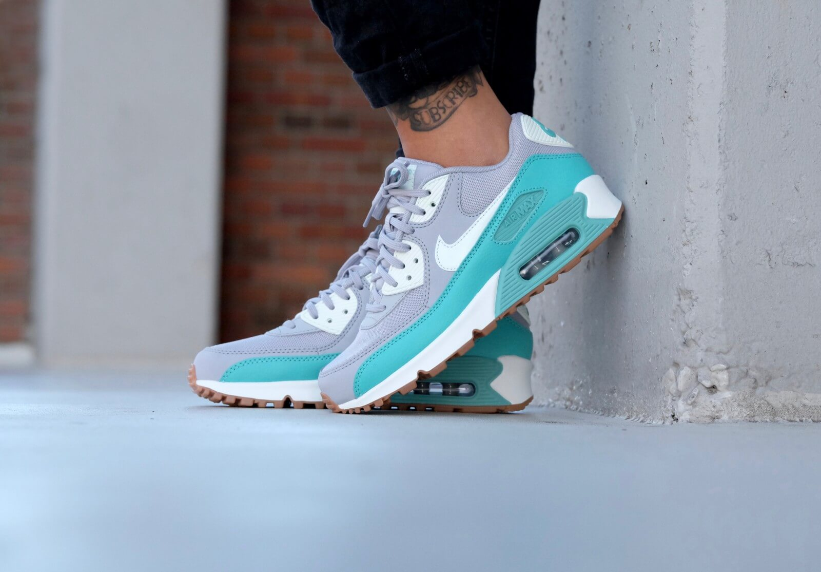 Nike WMNS Air Max 90 Essential Wolf grey Barely green Washed Teal 616730 032