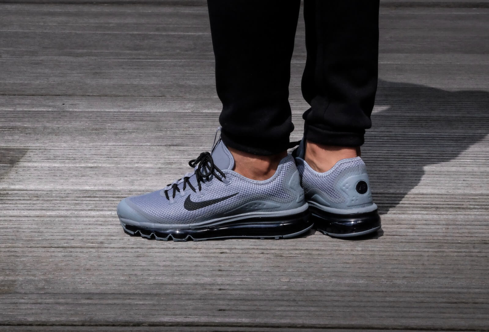 nike air max more trainers