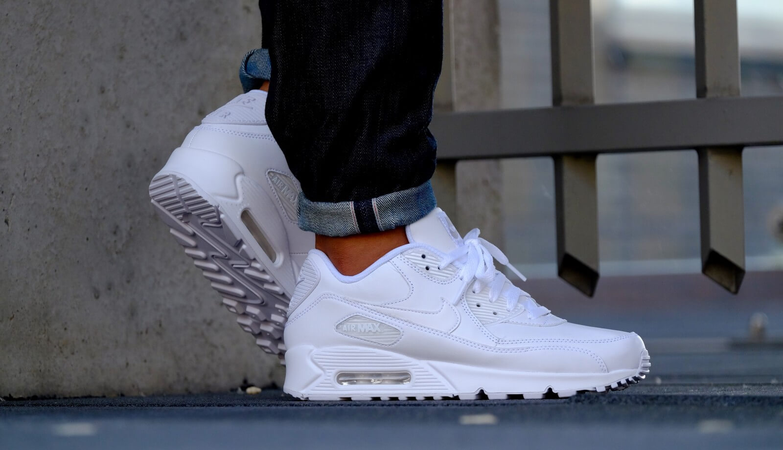 nike air max 90 white leather
