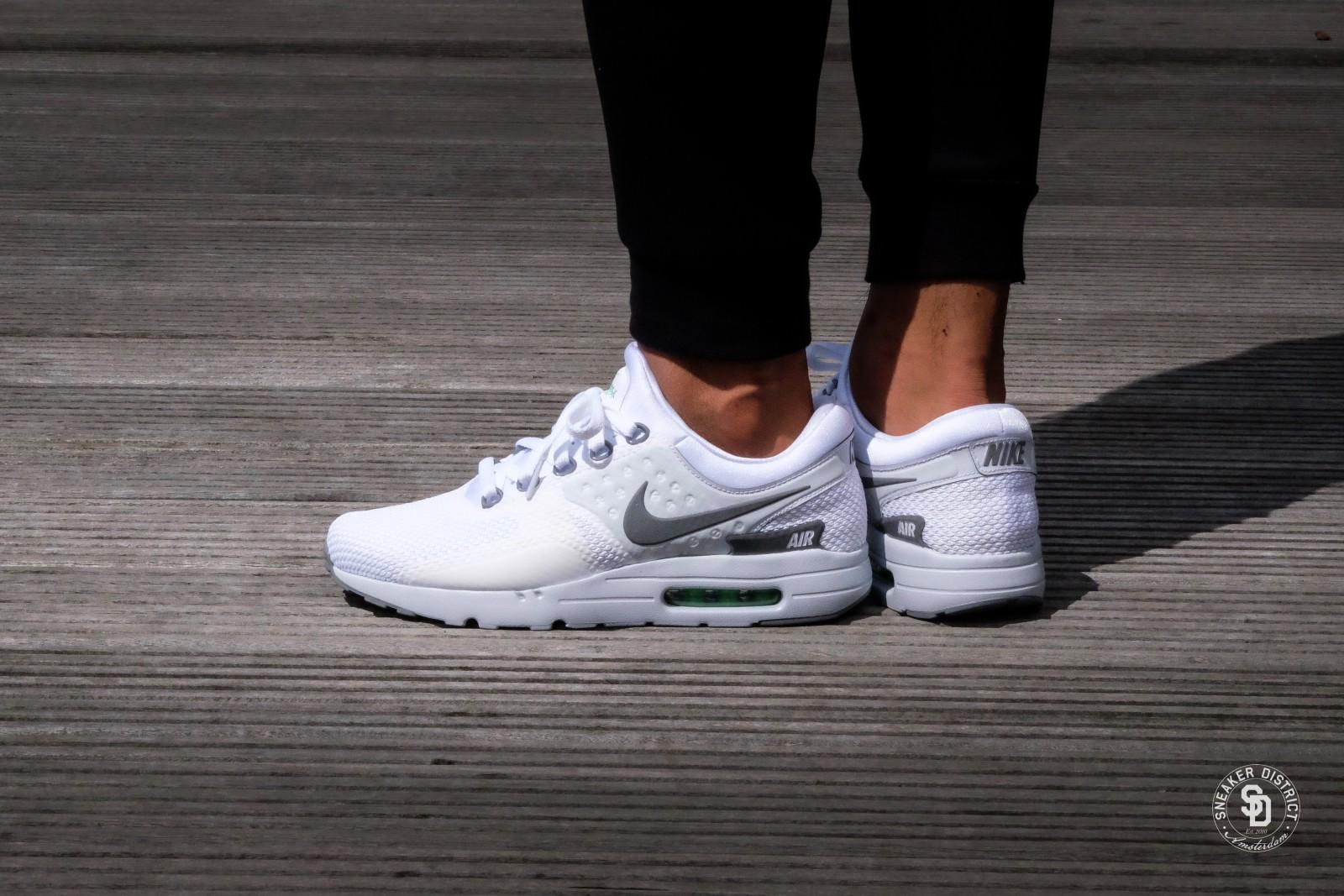 Nike Air Max Zero Essential WhiteCool Grey Pure Platinum 876070 102