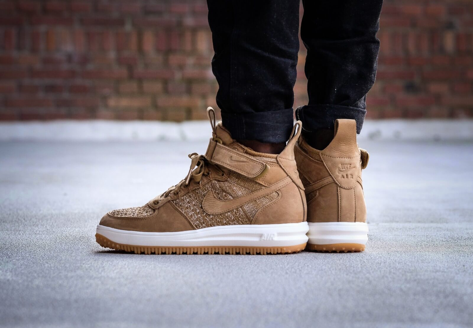 detailed look 46be0 21217 ... Nike Lunar Force 1 Flyknit Workboot Golden BeigeSail - Olive Flak -  855984-200 ...