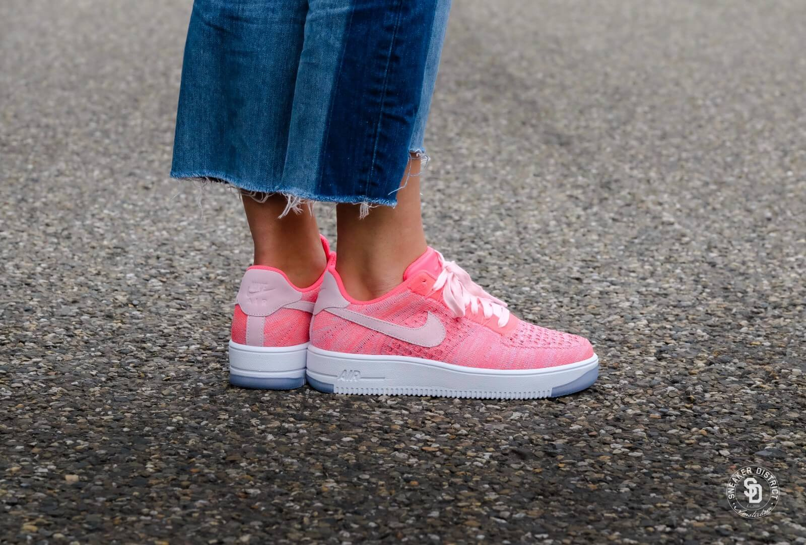 Nike WMNS Air Force 1 Flyknit Low Prism
