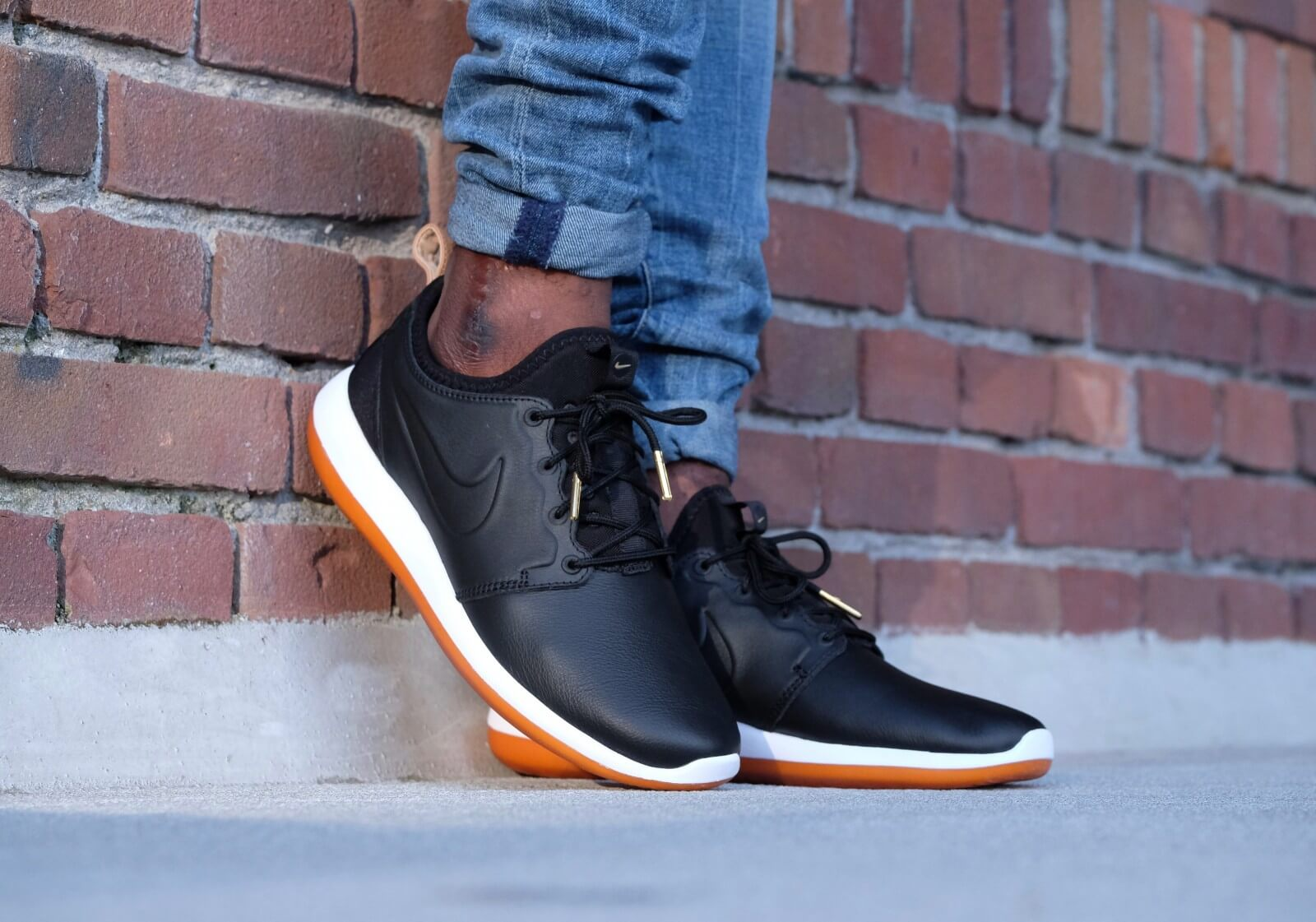 san francisco 471c6 85a50 ... Nike Roshe Two Leather PRM Blackblack-white-gum med brown - 881987-001  ...