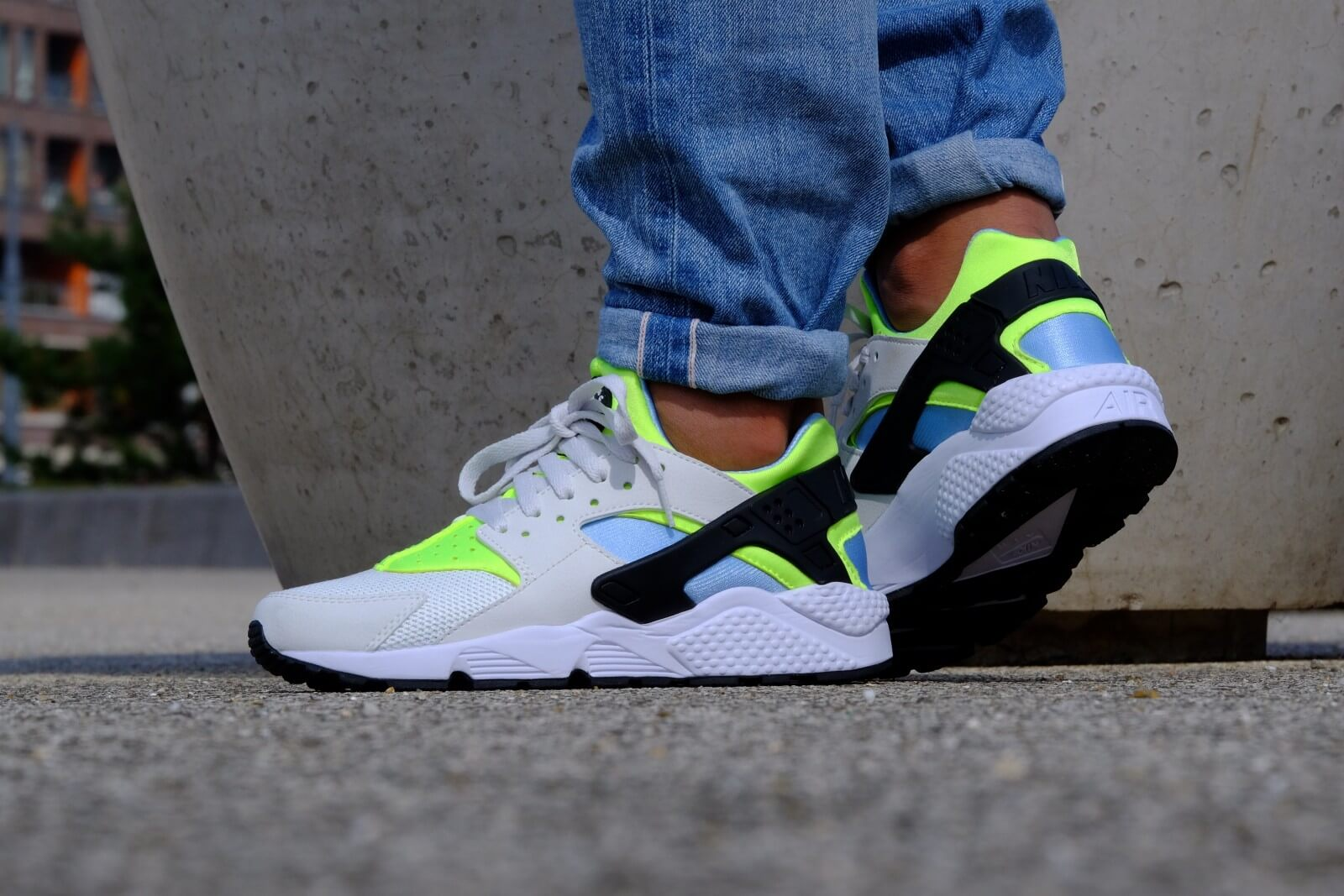 Nike Air Huarache Off White/ Barely Volt