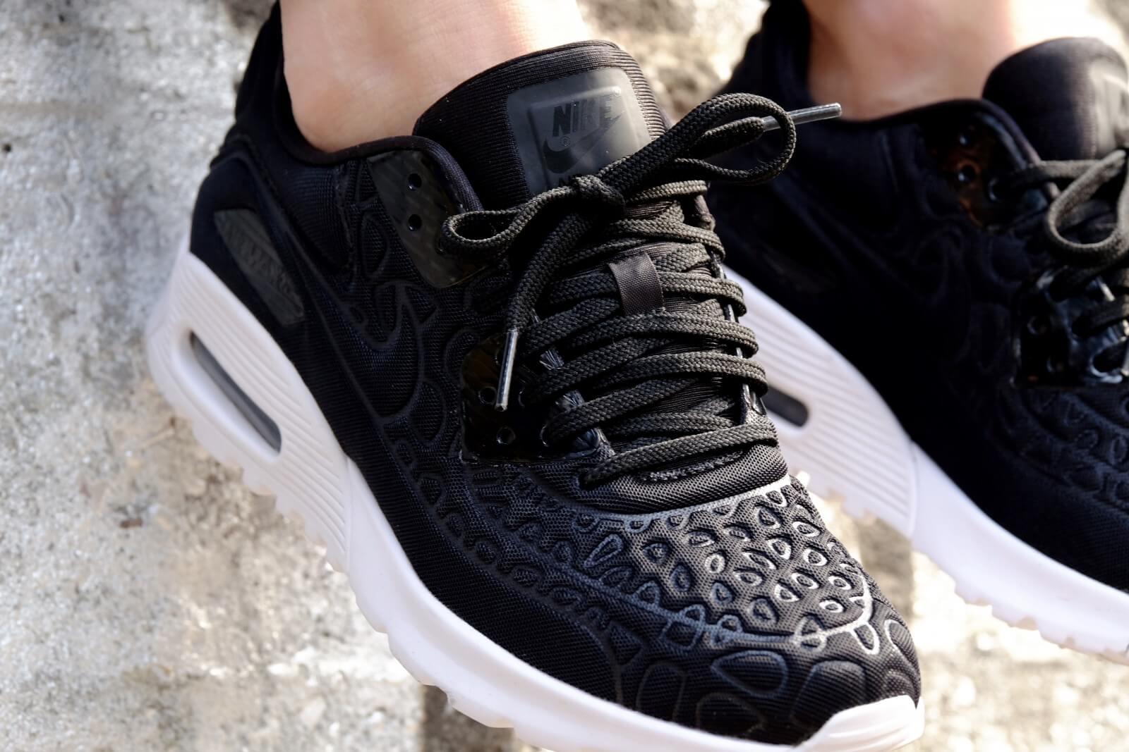 Nike WMNS Air Max 90 Ultra Plush Black/Black-White