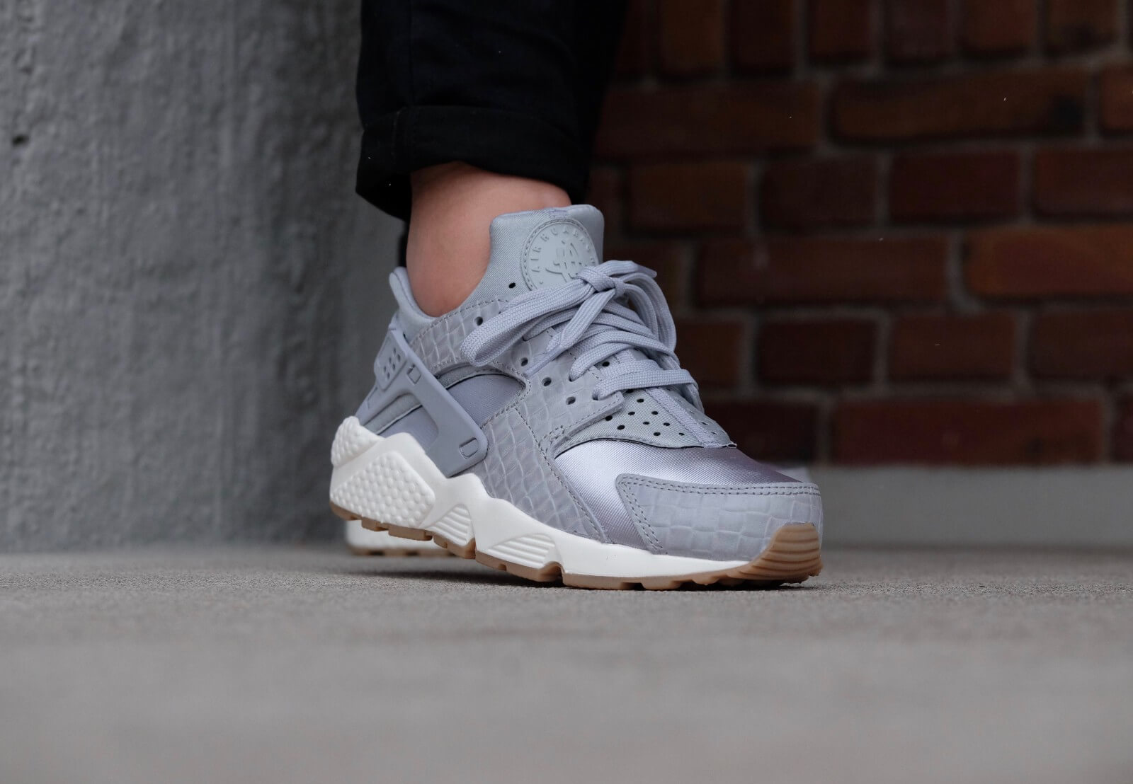 91a6a910dc49 ... shopping nike wmns air huarache run prm wolf grey wolf grey sail gum  med brown ec385