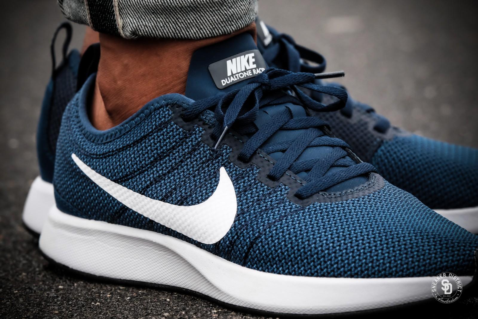 Nike Dualtone Racer Midnight NavyWhite Black online bestellen | Sneaker District