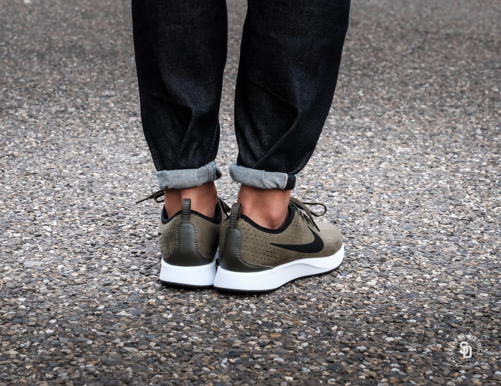 Nike Dualtone Racer Premium Cargo KhakiBlack White online bestellen | Sneaker District