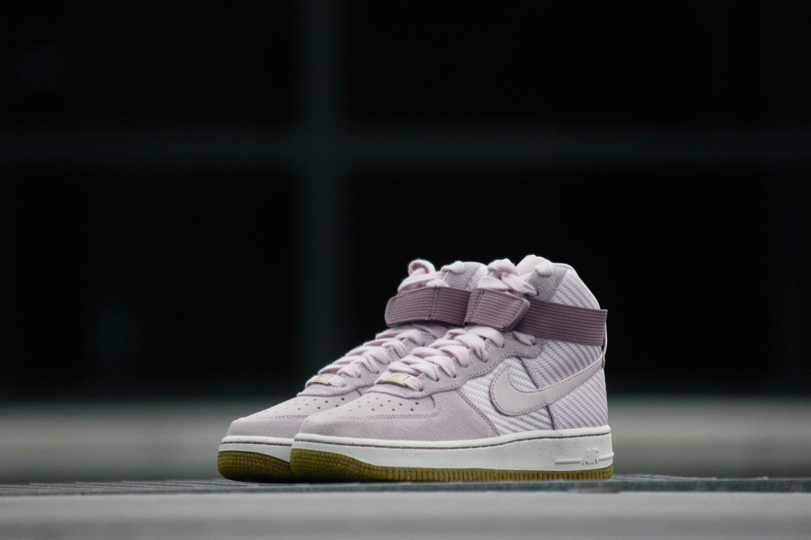 Nike WMNS Air Force 1 High PRM Bleached Lilac 654440 500