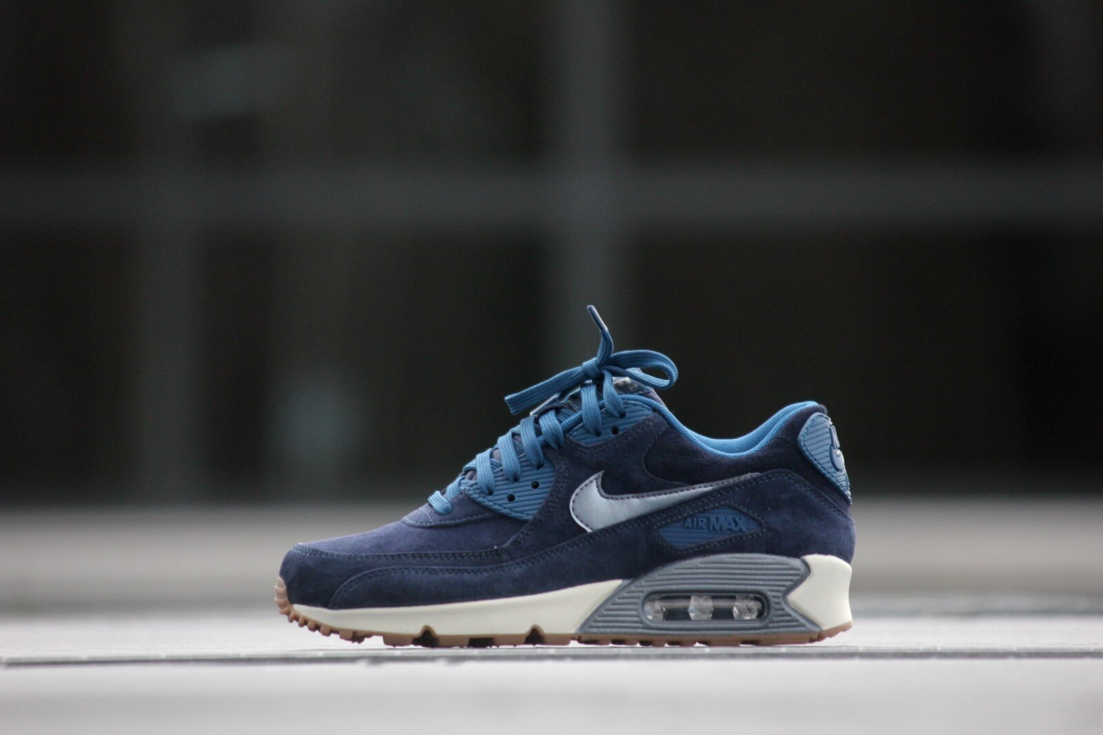 Nike Wmns Air Max 90 PRM Suede Midnight Navy