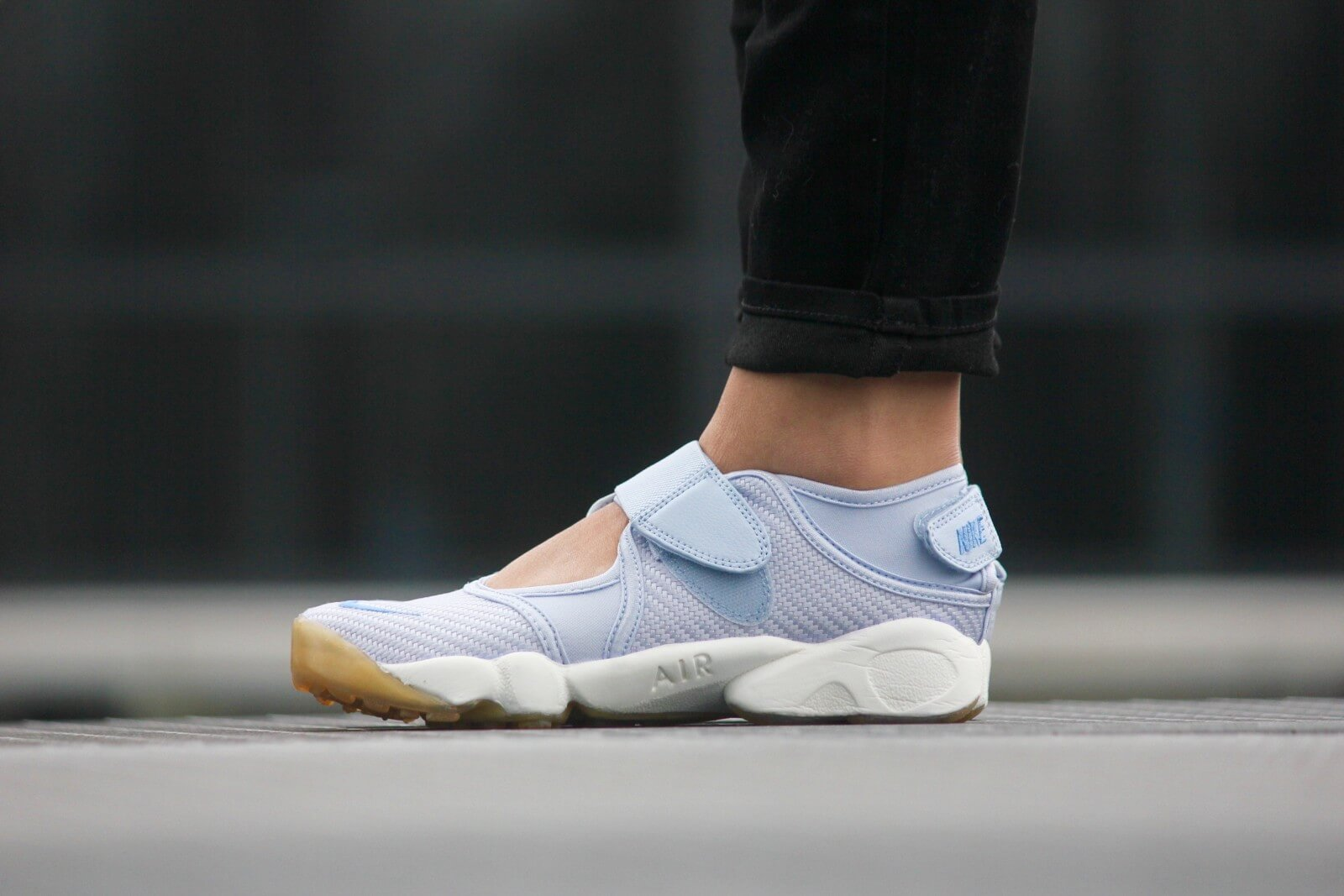 Nike WMNS Air Rift Porpoise Chalk/ Blue