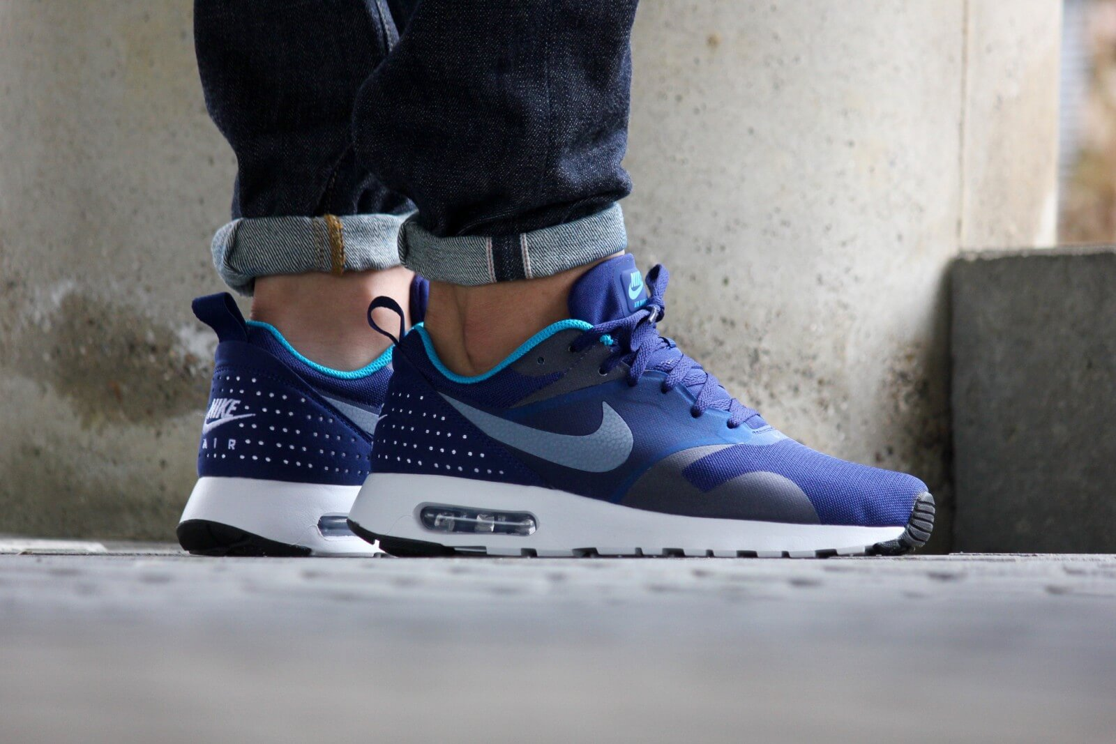 Nike Air Max Tavas Loyal Blue/ White