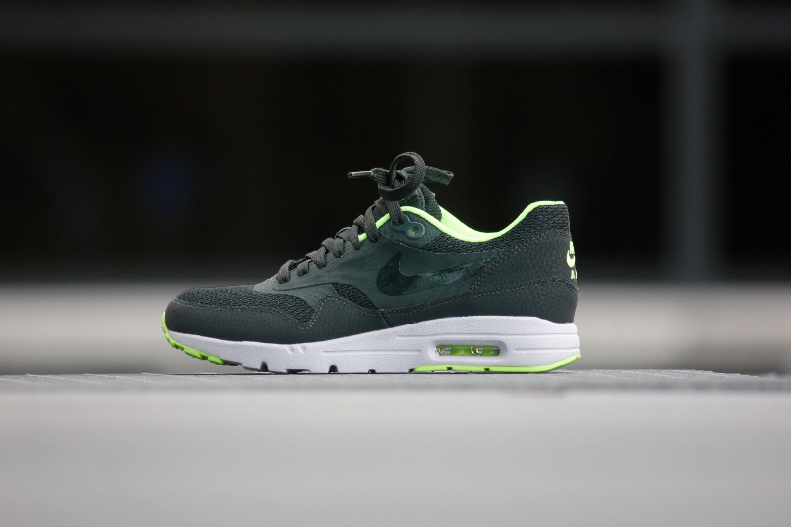 Nike Wmns Air Max 1 Ultra Essential Sea Weed 704993 301