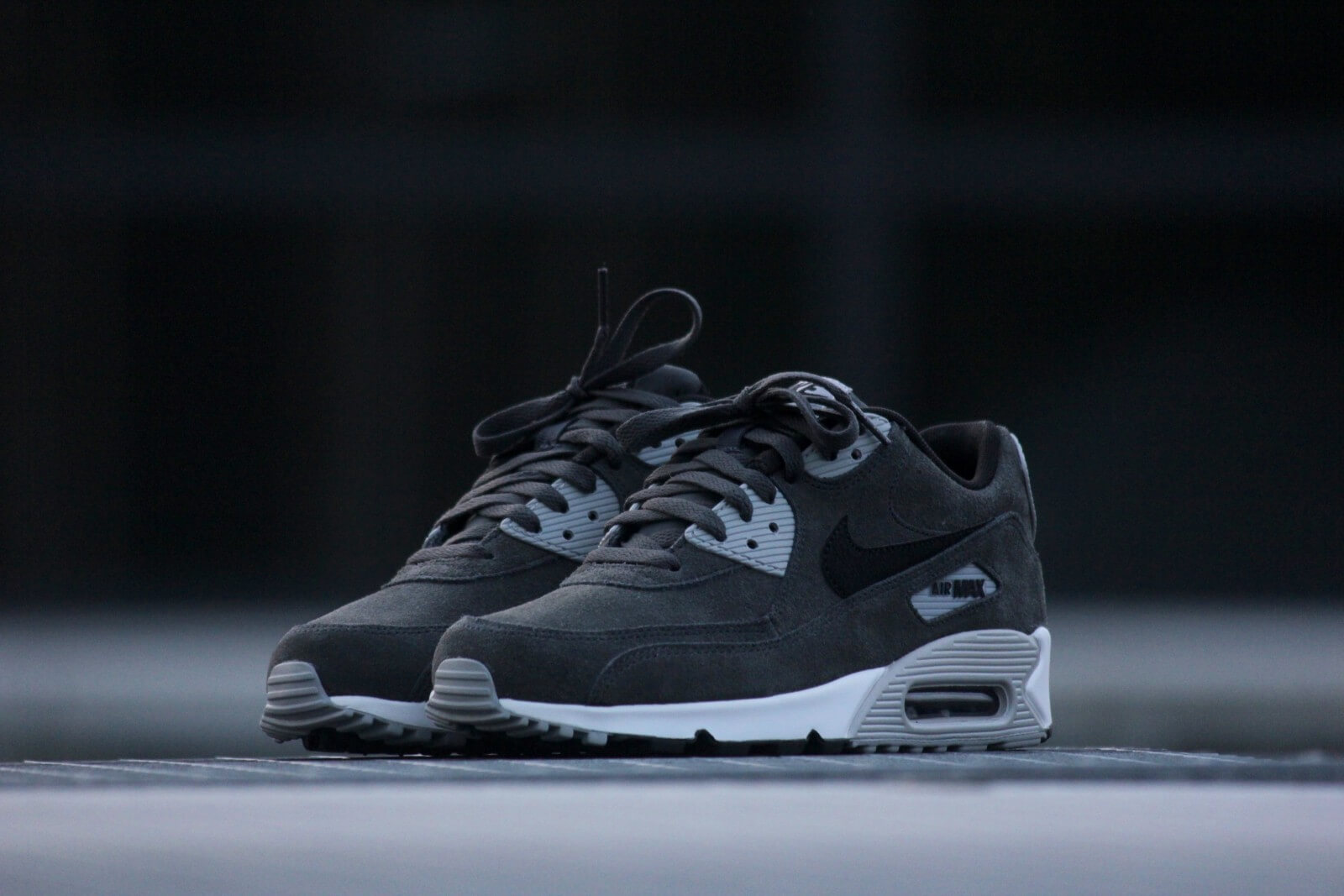 Nike Air Max 90 Leather Anthracite Black Wolf Grey White