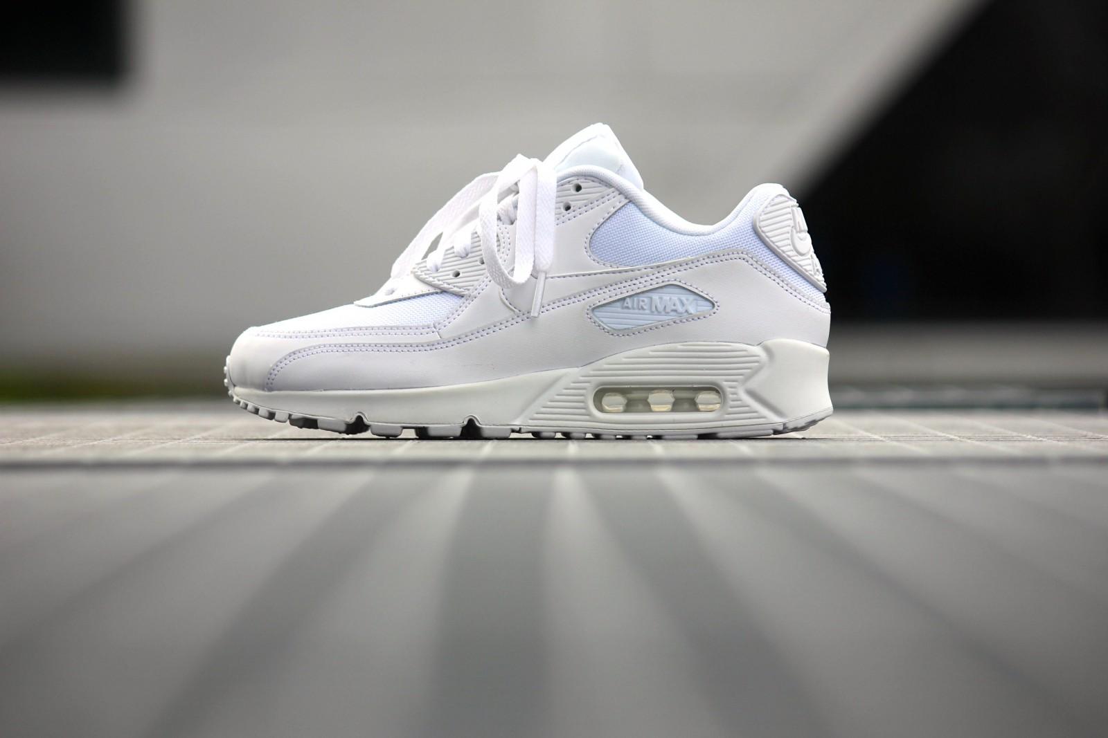 Nike Air Max 90 Essential 537384 111 All White