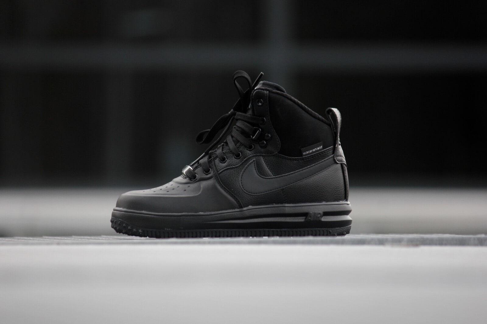 c44f0e3fe229 ... Nike Lunar Force 1 SneakerBoot (GS) Triple Black ...