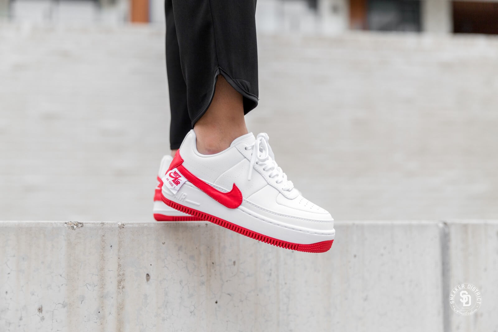 NIKE-AIR-FORCE-1-JESTER-XX-White-University_Red-6-1600.jpg