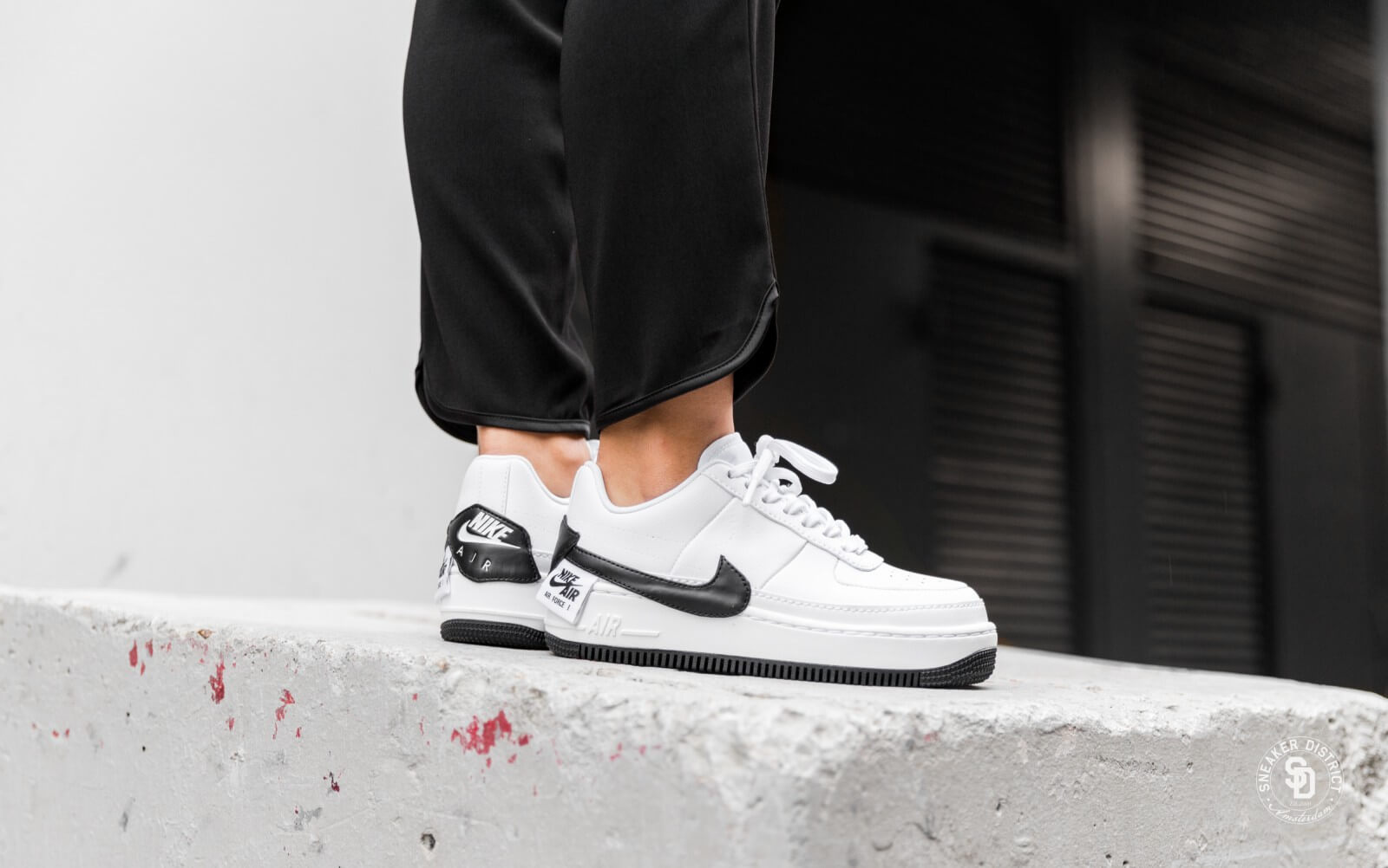 Nike Air Force 1 Air Force One white black and white red and