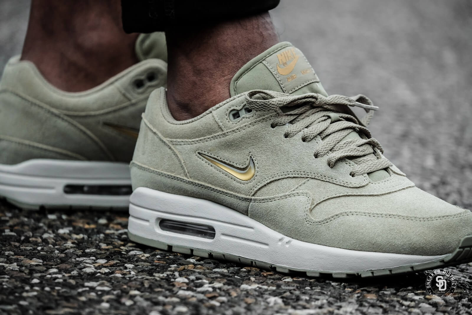new product 56eec a786a ... where can i buy nike air max 1 premium sc jewel neutral olive metallic  gold ece72 ...