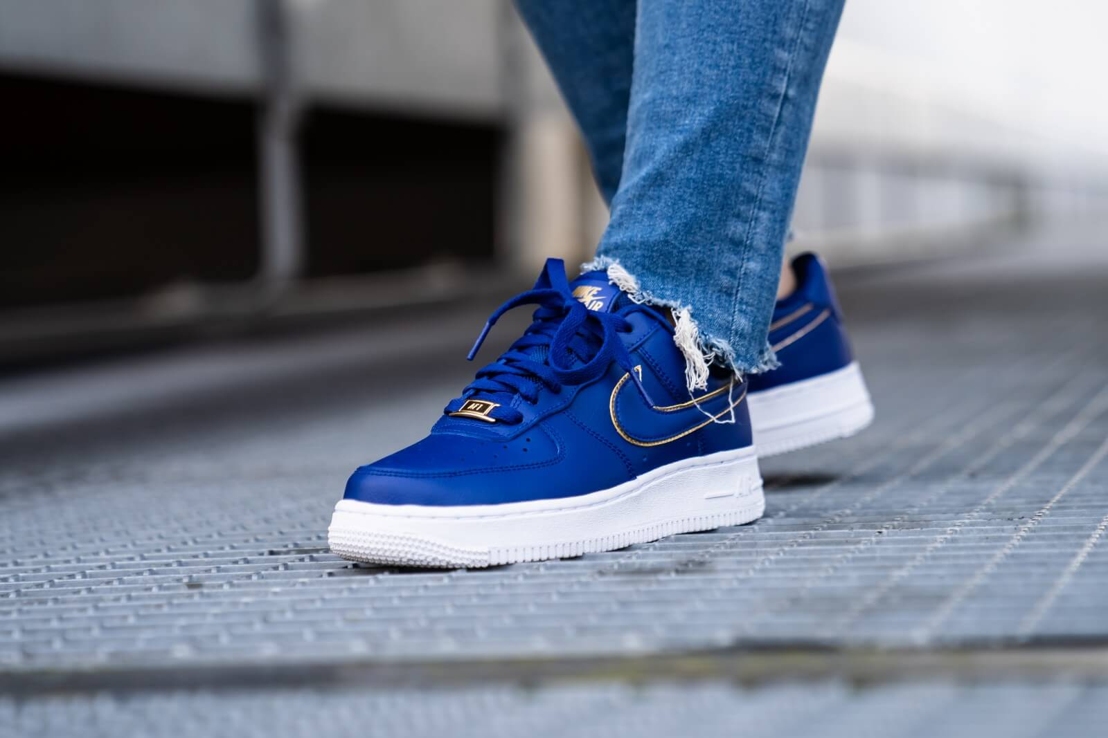blue and white nike air force