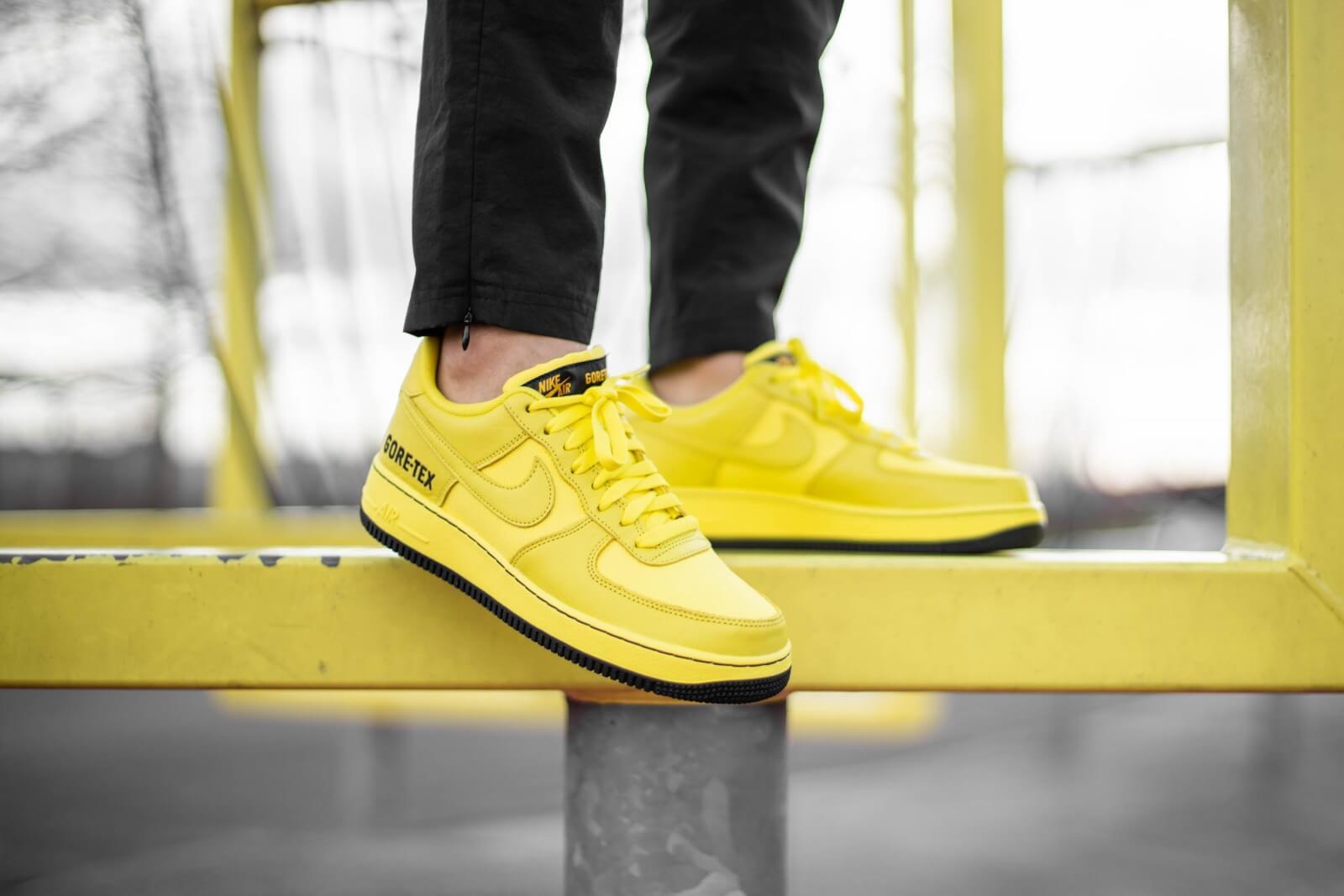 CK2630 701 Nike Air Force 1 Gore Tex Dynamic YellowBlack