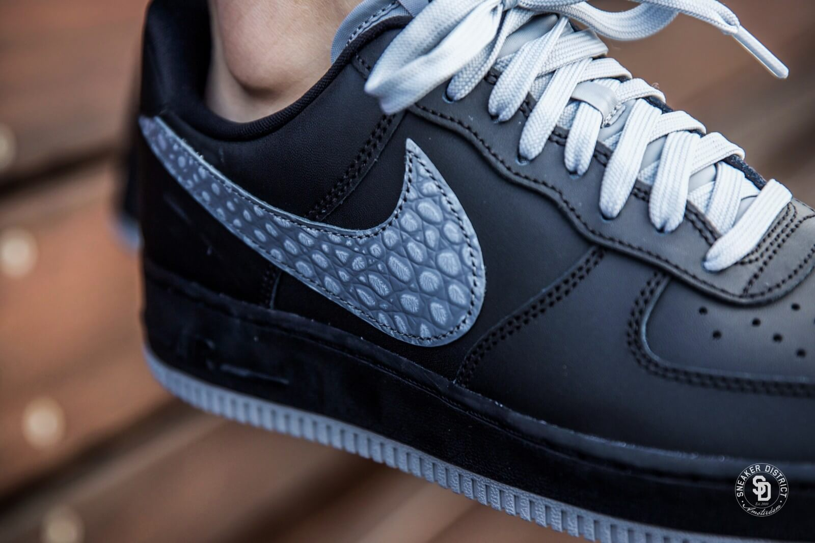 Nike Air Force 1 07 Lv8 Black Cool Grey Heren Sneakers