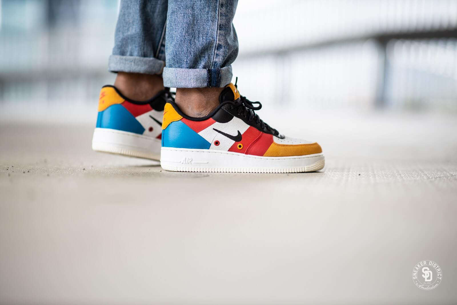 Resaltar Mortal Repulsión  Nike Air Force 1 '07 Premium 1 Sail/Imperial Blue-Amber Rise - CI0065-101