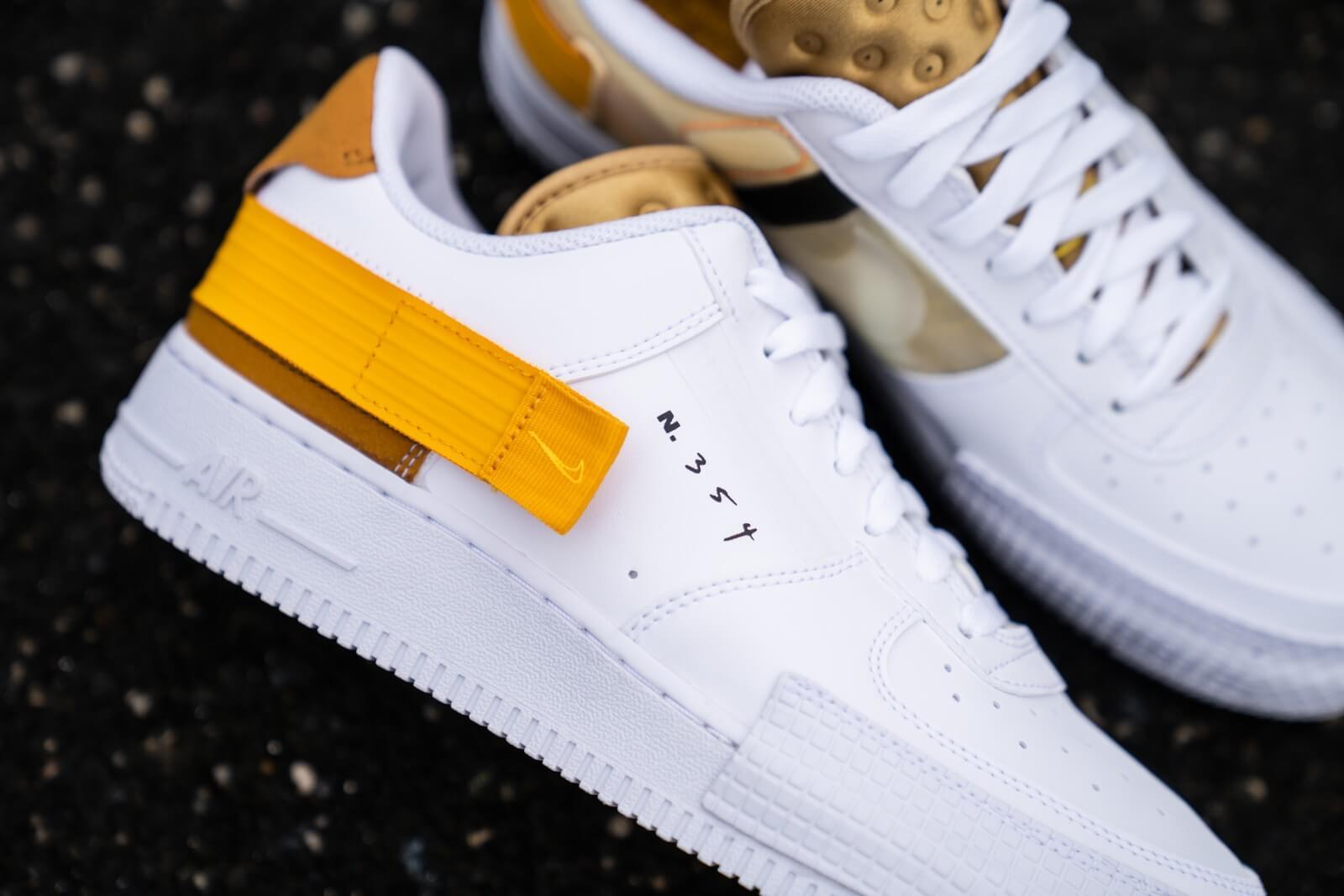 Nike Air Force 1 Type White/University